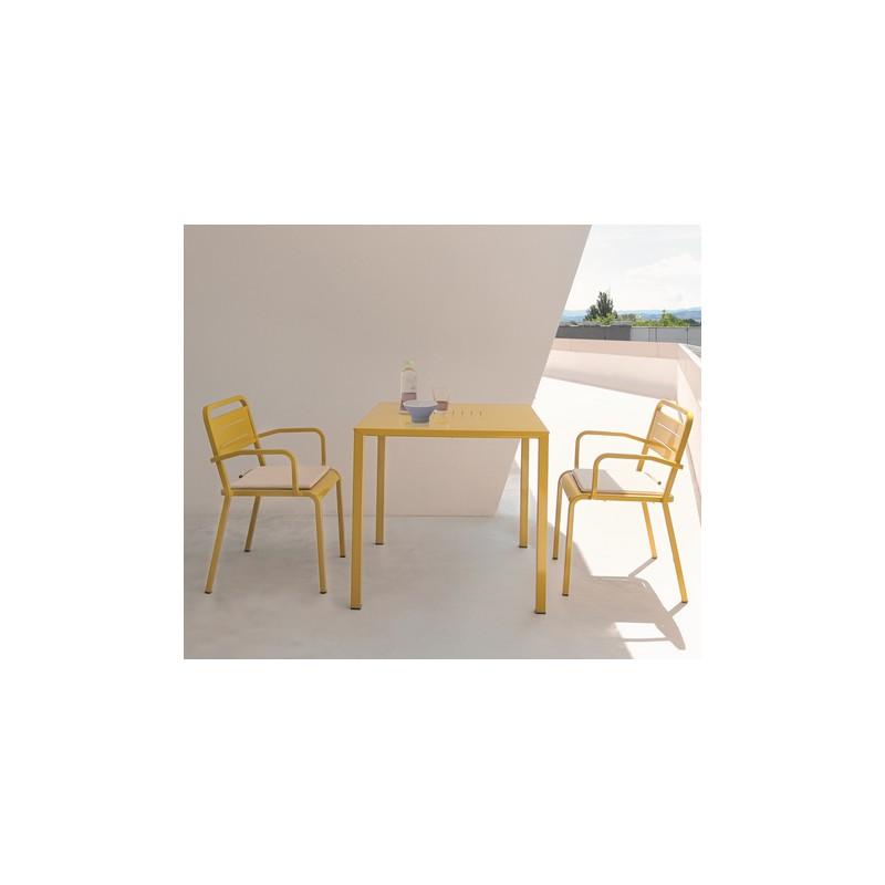 Table carr e urban 80 x 80 cm int rieur 202 for Table 80 x 80