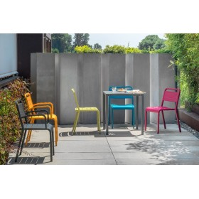 Chaise empilable URBAN